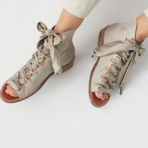 Free People Palms Lace-Up Taupe Sz 40